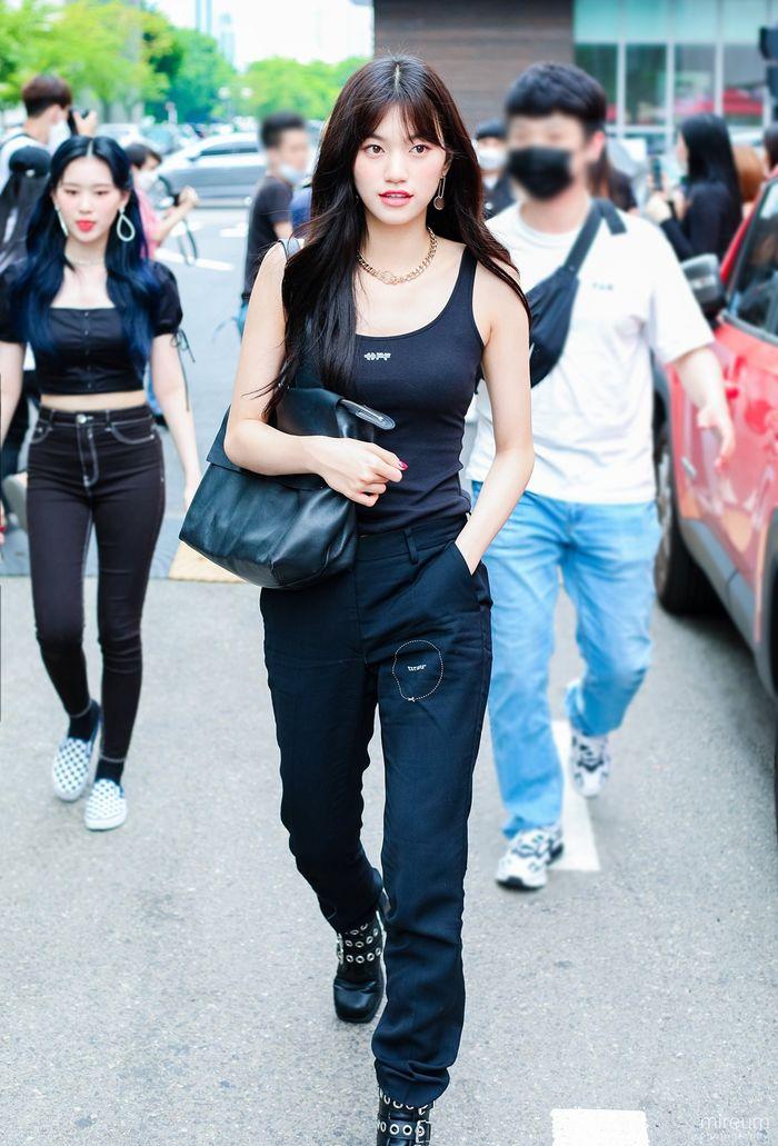 10 idol có style đi làm ghi điểm tuyệt đối - Mina khí chất 'tiên tử' - Ảnh 2