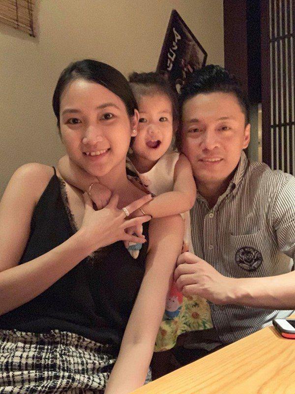 Sao nam Việt sau khi cưới vợ xinh: Tuấn Hưng lành hẳn, khó tin nhất là Trường Giang - Ảnh 2