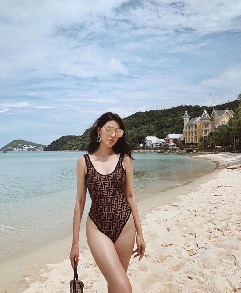 Cận cảnh đường cong quyến rũ của Hoa hậu người Việt ở Úc 2015 - Ảnh 2