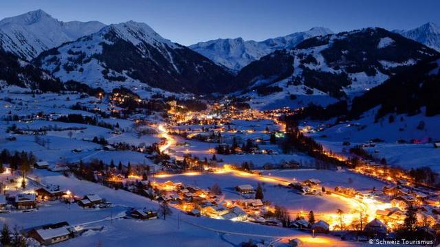 Ngôi làng 'biệt lập' chỉ dành cho giới siêu giàu thế giới ở Thụy Sỹ - Ảnh 2