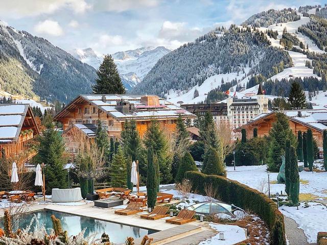Ngôi làng 'biệt lập' chỉ dành cho giới siêu giàu thế giới ở Thụy Sỹ - Ảnh 4