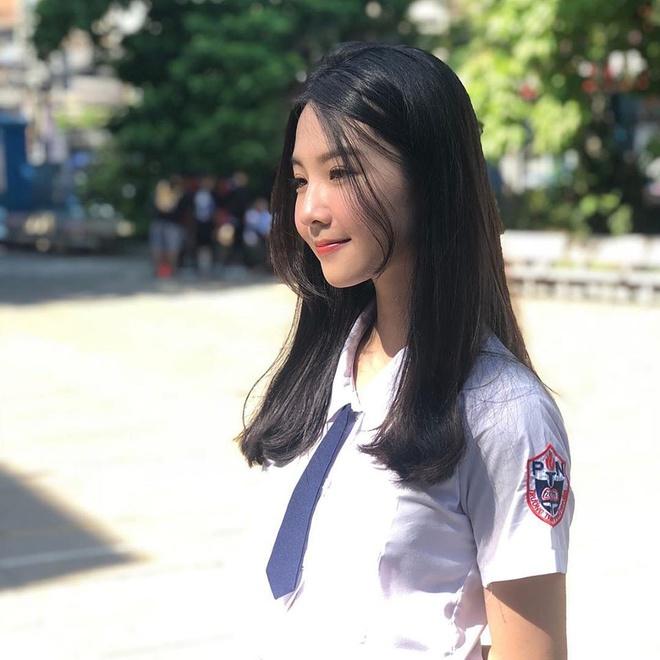 Nữ sinh 10X được chú ý ở Hoa hậu Việt Nam 2020 - Ảnh 4
