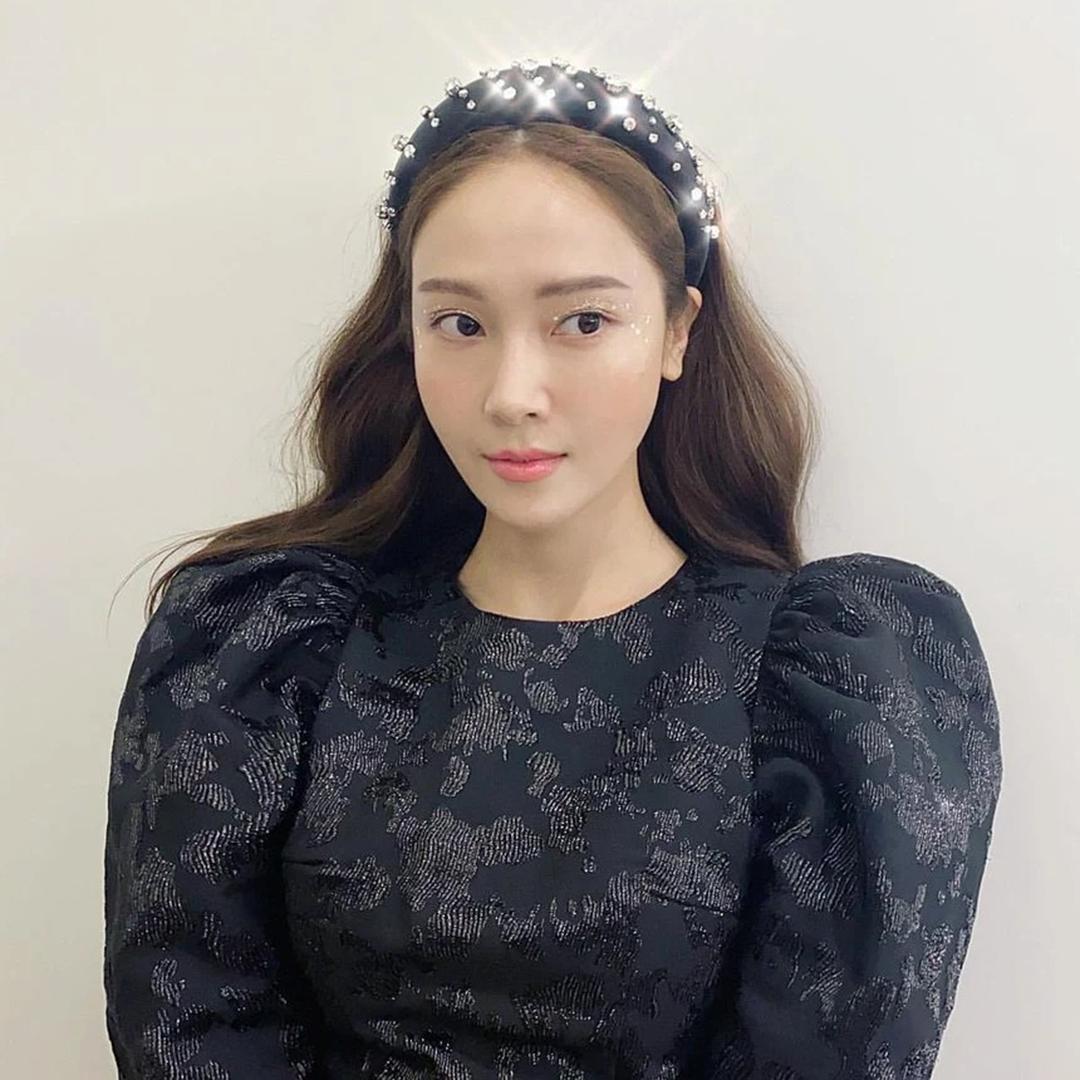 5 phụ kiện tóc đặc trưng năm 2000 được idol Hàn lăng xê lại - Ảnh 5