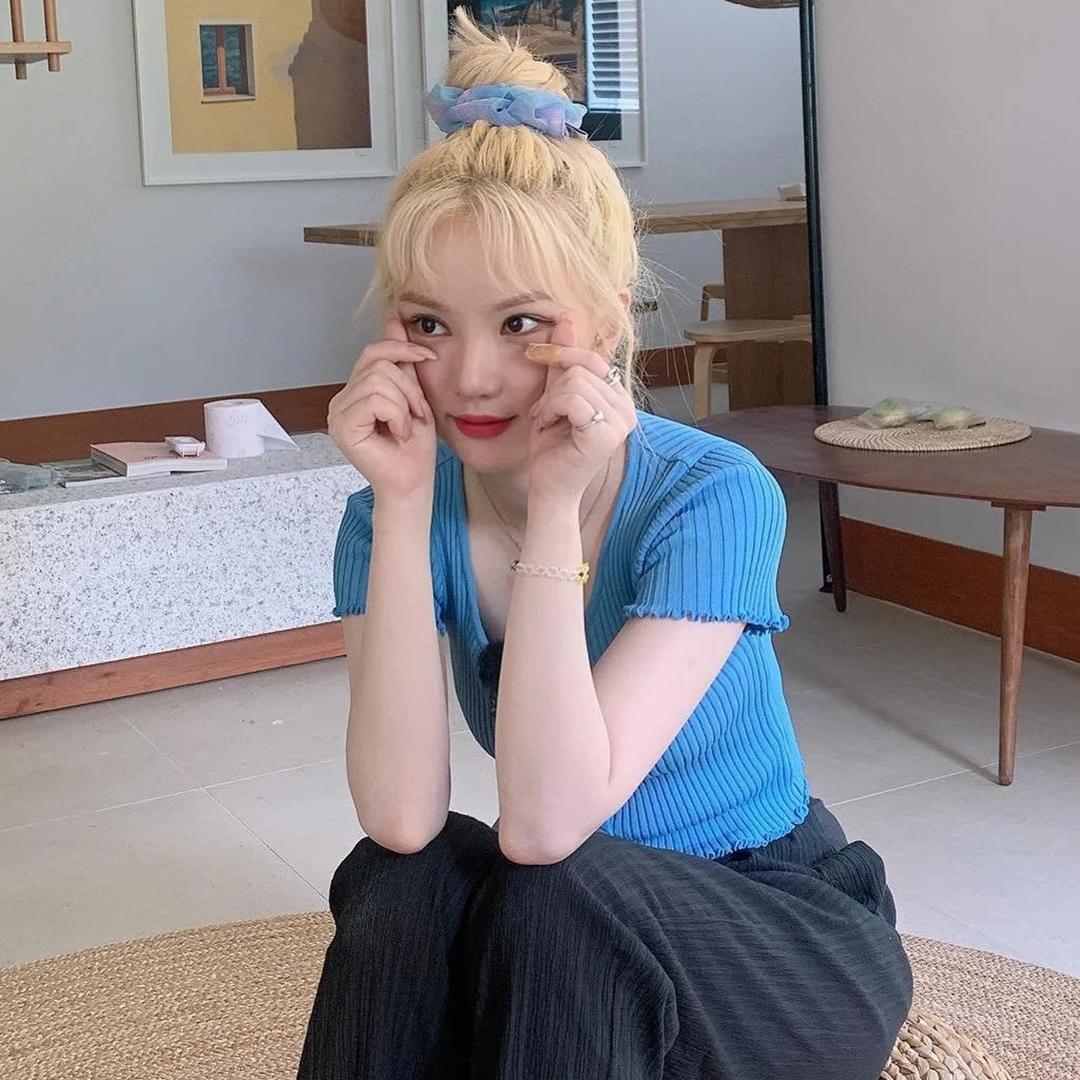 5 phụ kiện tóc đặc trưng năm 2000 được idol Hàn lăng xê lại - Ảnh 7