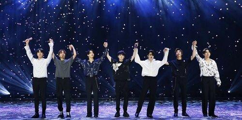 Đến hẹn lại lên: Fan BTS chuẩn bị 'quậy tung trời' trong FANFEST hoành tráng tại Hà Nội dành riêng cho V-Army - Ảnh 3