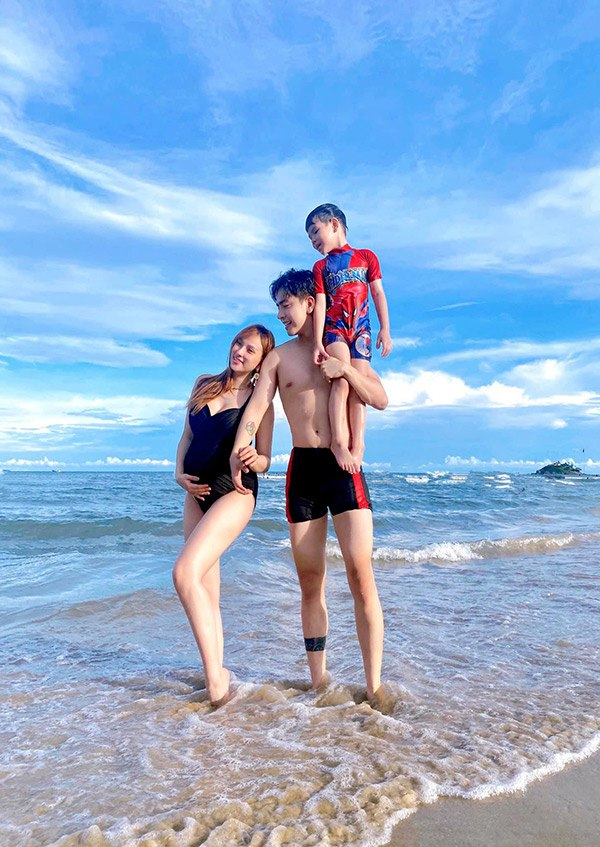 Cảnh nuôi con sau cưới chồng trẻ của Khánh Thi, Thu Thủy, Lê Phương: người nhàn tênh, người lao đao - Ảnh 6