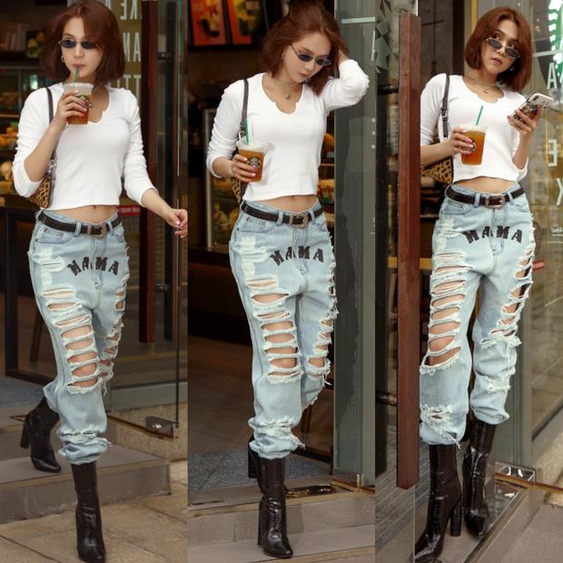 Chán hở trước, Ngọc Trinh lại diện mốt quần jeans hở toang hoác phía sau - Ảnh 12