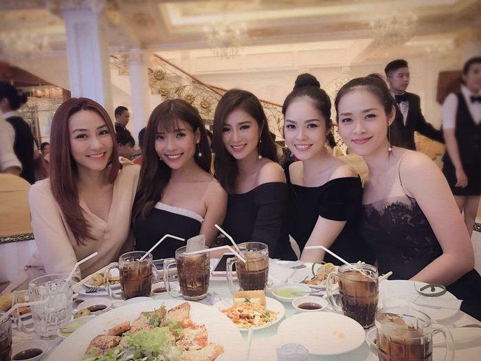 Xinh đẹp lại đa tài, hội bạn thân của mỹ nhân Việt khiến bao người ghen tị - Ảnh 3
