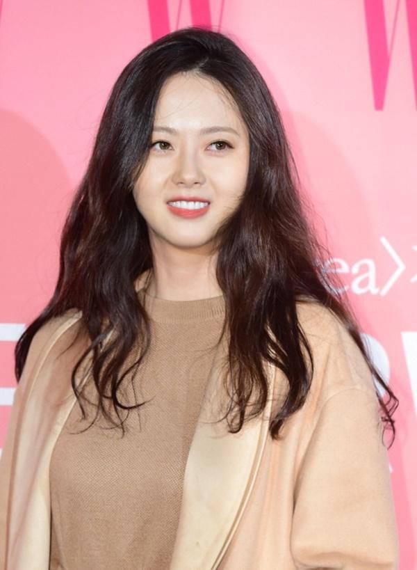 Phim Hàn tháng 8: Sự trở lại của 'Đệ nhất mỹ nhân' Kim Hee Sun - Ảnh 3