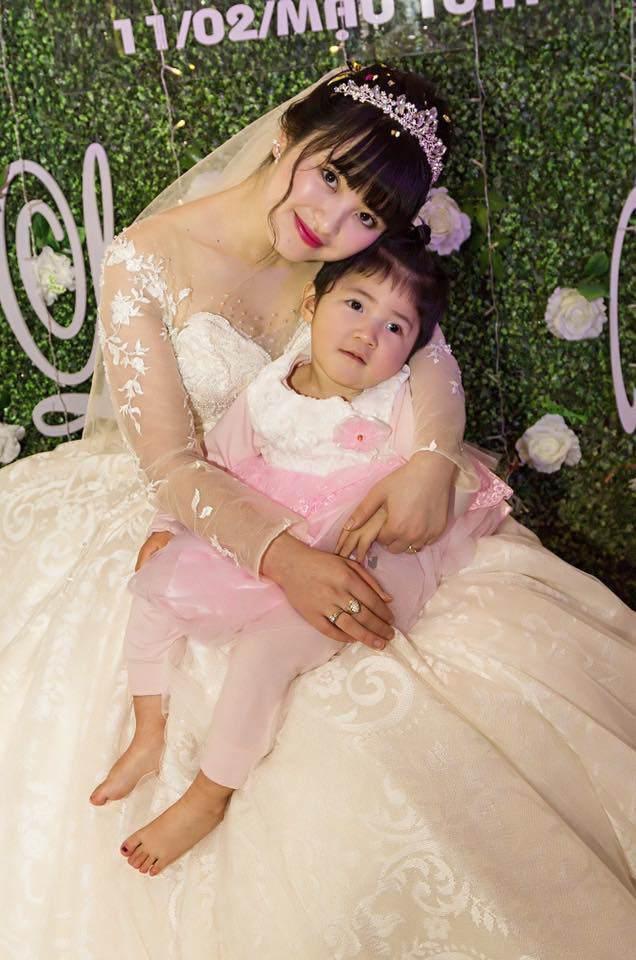 Đang béo trắng, bé Yến Nhi đột ngột co giật nhập viện, mẹ nuôi tiểu thư 9X lo lắng - Ảnh 2