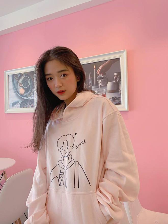 Hot girl Nguyễn Khuyến cười sương sương mà CĐM 'đổ gục' - Ảnh 11