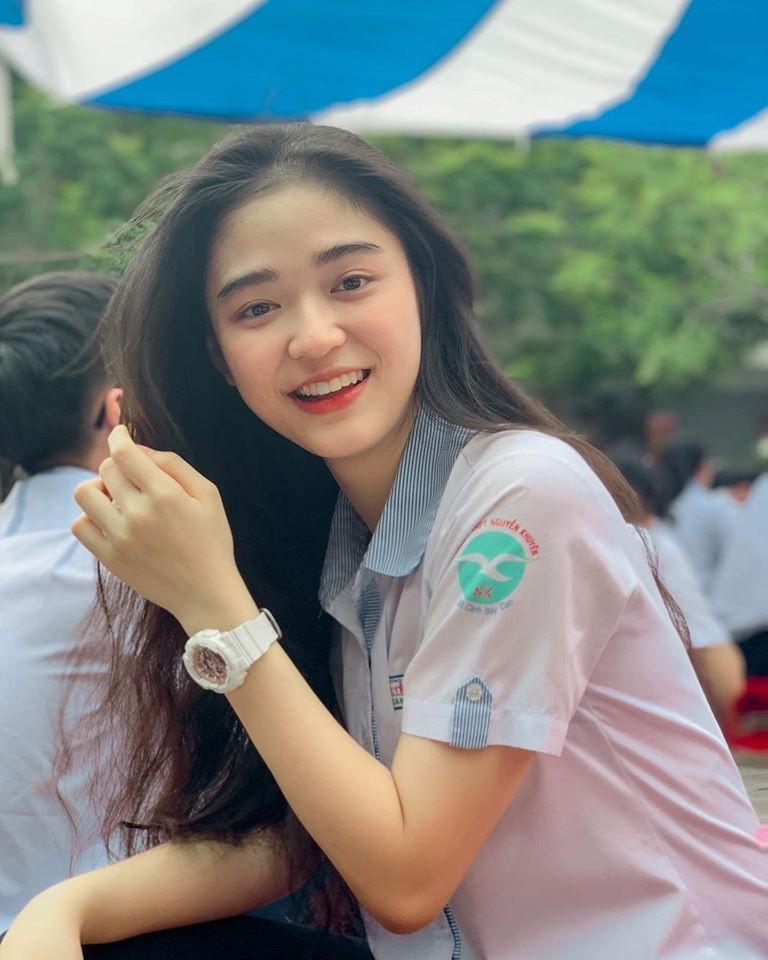 Hot girl Nguyễn Khuyến cười sương sương mà CĐM 'đổ gục' - Ảnh 5