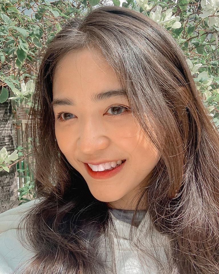 Hot girl Nguyễn Khuyến cười sương sương mà CĐM 'đổ gục' - Ảnh 7