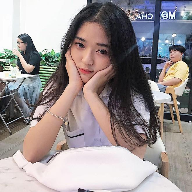 Hot girl Nguyễn Khuyến cười sương sương mà CĐM 'đổ gục' - Ảnh 8