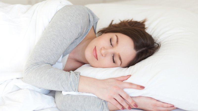 Thực phẩm giúp bạn trị chứng mất ngủ, đặt lưng là nằm tới sáng - Ảnh 1