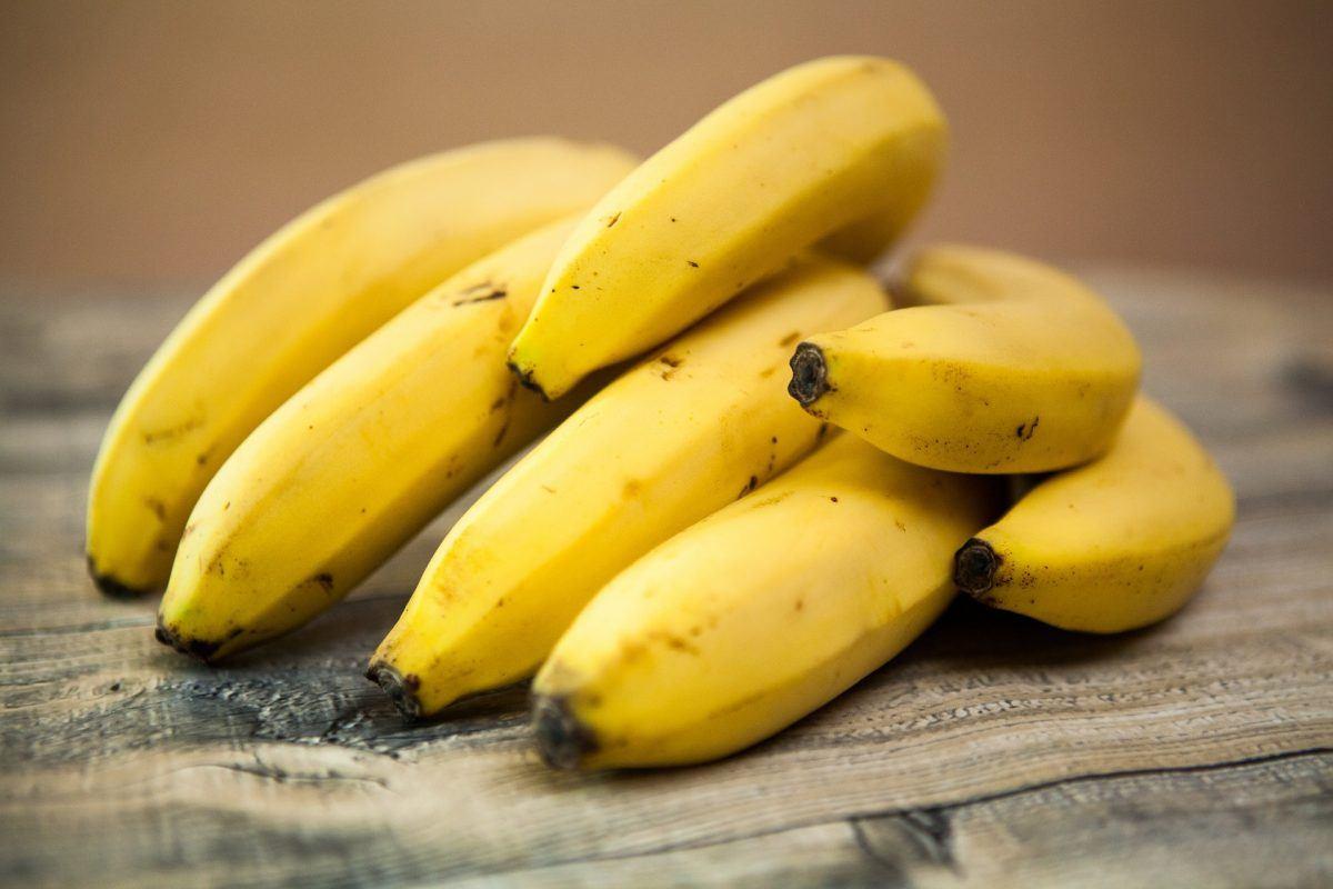 Không muốn sức khỏe bị ảnh hưởng, ghi nhớ ngay 8 thực phẩm không nên ăn khi đói - Ảnh 2