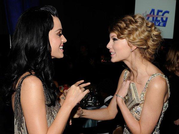 9 năm cho một mối thù giữa hai ca sĩ
