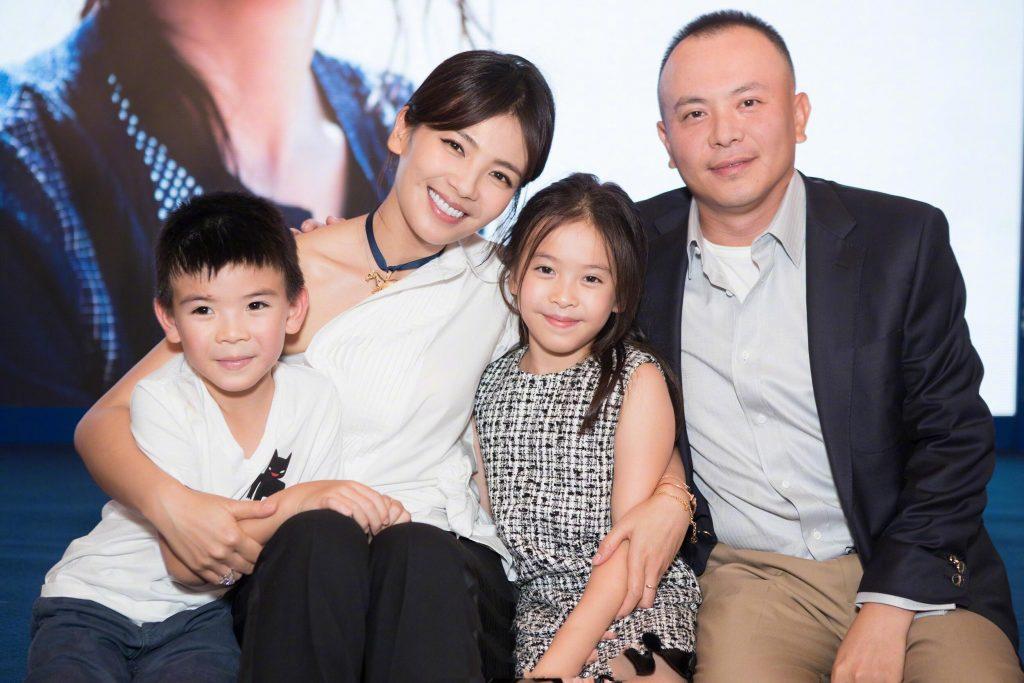 Những mỹ nhân khổ nhất showbiz Hoa ngữ, vừa cưới đã làm việc cật lực trả nợ cho chồng - Ảnh 3