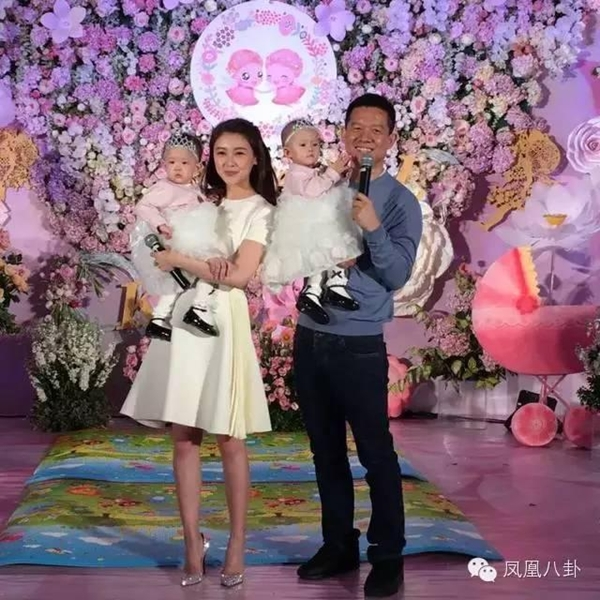 Những mỹ nhân khổ nhất showbiz Hoa ngữ, vừa cưới đã làm việc cật lực trả nợ cho chồng - Ảnh 9
