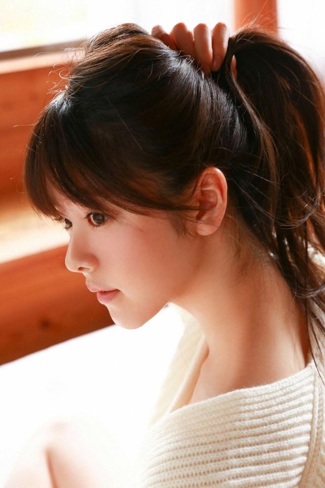 Nhan sắc 'tiểu tam' trong vụ ngoại tình chấn động showbiz Nhật Bản - Ảnh 5