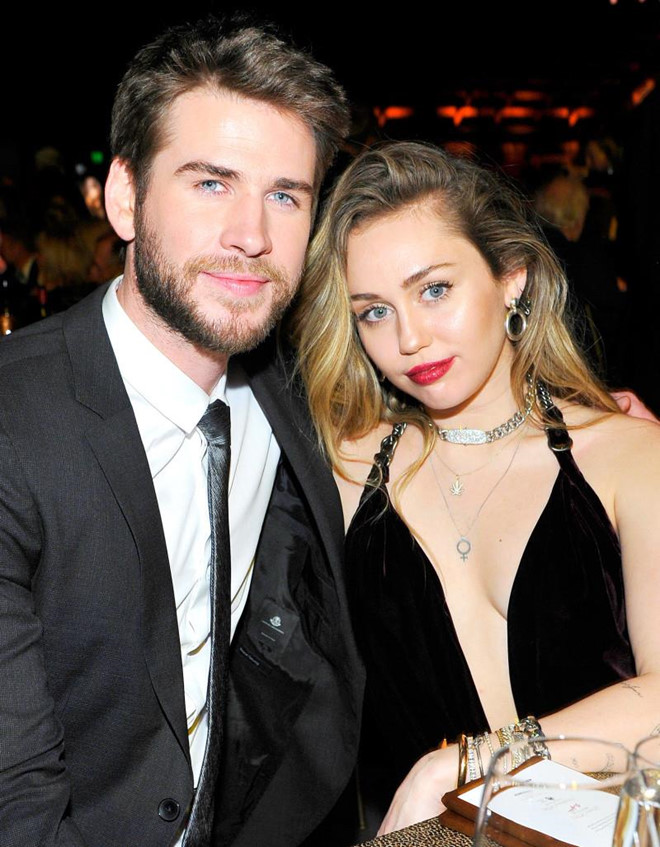 Miley Cyrus và Liam Hemsworth 1