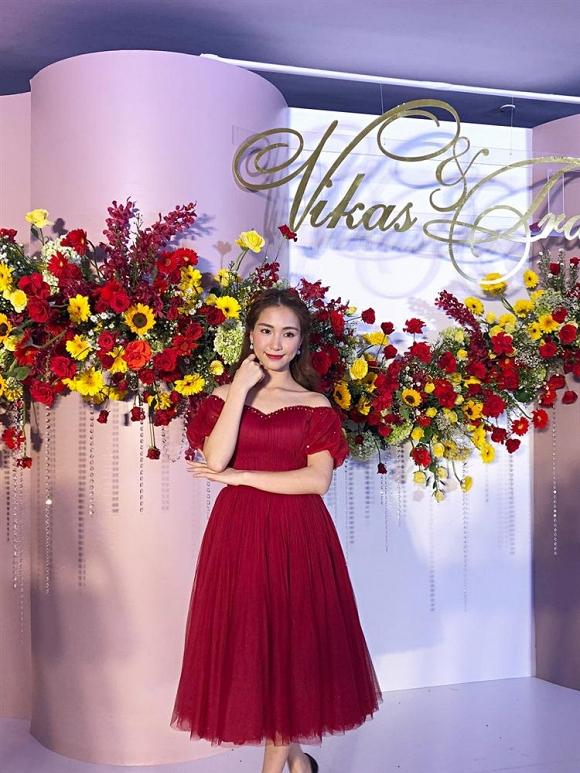Hoà Minzy đến dự đám cưới Võ Hạ Trâm cực trễ và phát ngôn cũng