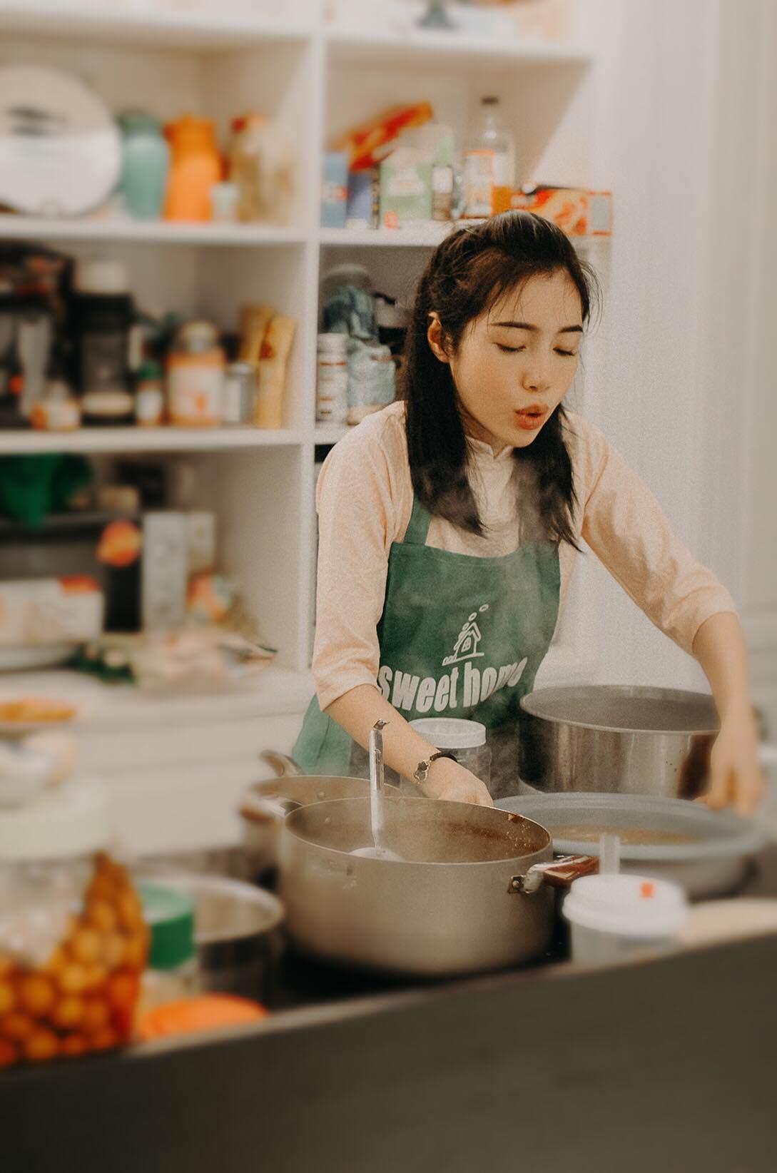 Elly Trần đã là bà mẹ của hai nhóc tỳ Mộc Trà và Túc Mạch