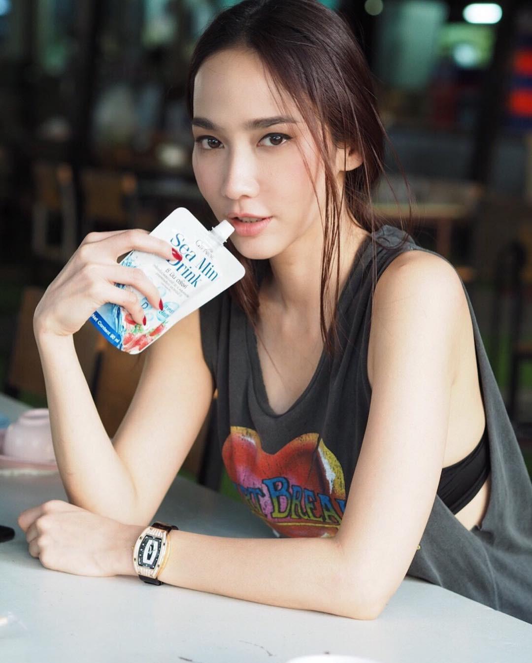 nhung-nu-hoang-sac-dep-thai-lan-so-huu-guong-mat-can-doi-van-nguoi-me2