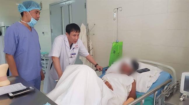 Sức khỏe 19 nạn nhân bị tai nạn ở Vườn Quốc gia Bạch Mã đã ổn định - Ảnh 1