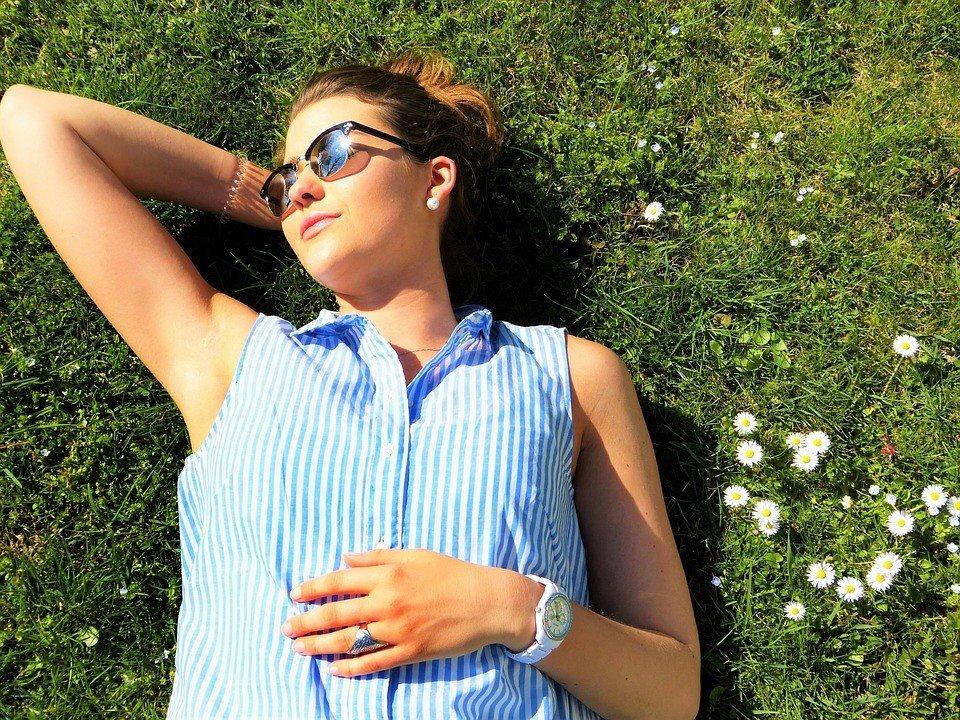 4 phương pháp chữa lành da cháy nắng tại nhà - Ảnh 1
