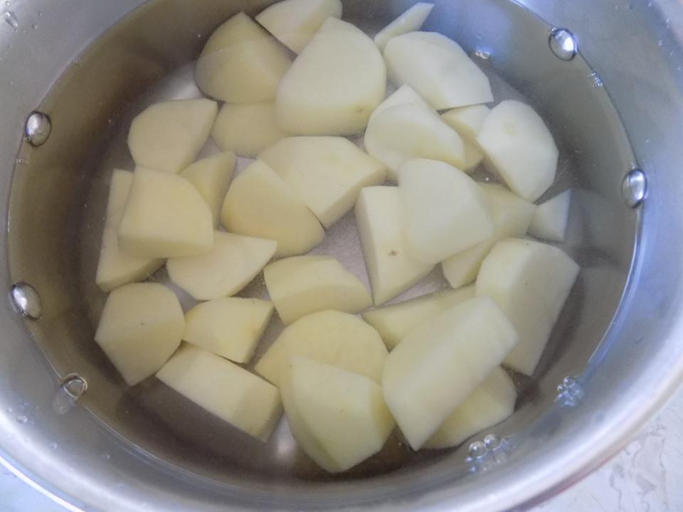 Cuối tuần thảnh thơi làm bánh tôm chiên xù thơm ngon cực hấp dẫn - Ảnh 2