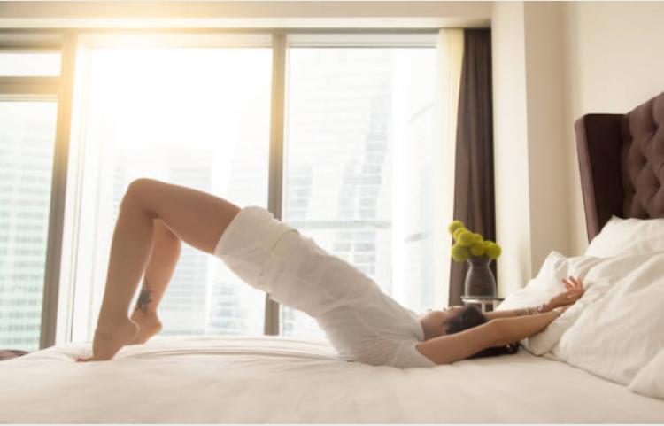 Giảm cân trên giường: Bài tập giảm mỡ bụng cho người lười đây rồi! - Ảnh 6