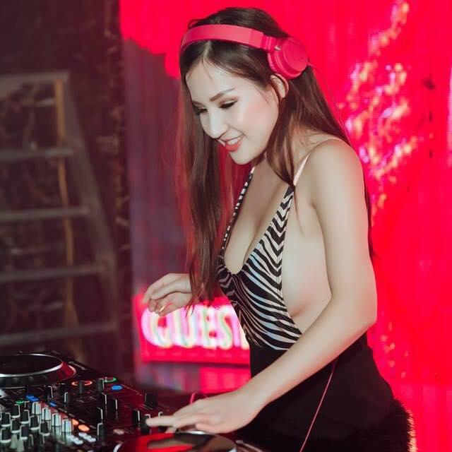 Hở mà không phản cảm, 'bỏ túi' bí kíp gợi cảm đúng mực của DJ Miu Miu - Ảnh 16