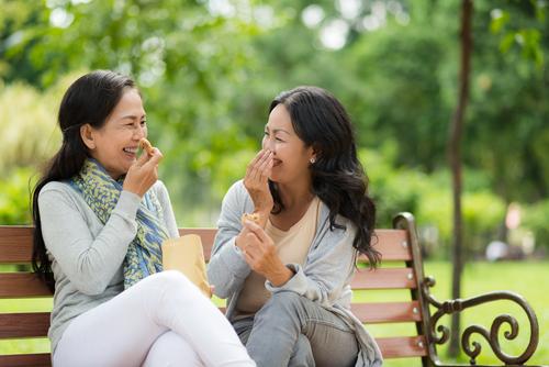 '2 điều không cầu' và '3 điều không chờ đợi' để tuổi trung niên hạnh phúc và bình an - Ảnh 1