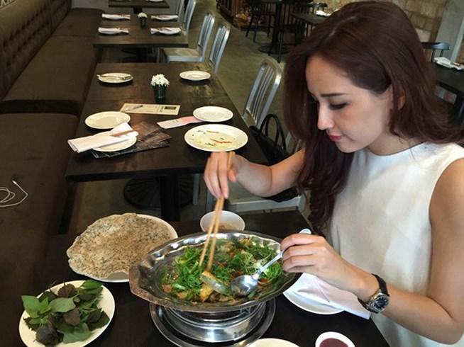 Những nhà hàng của Mai Phương Thúy làm ăn rất thuận lợi.