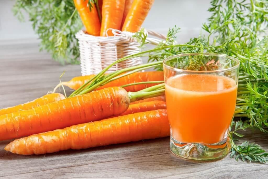 Uống nước ép cà rốt giúp giải độc gan và tỉnh rượu nhanh chóng