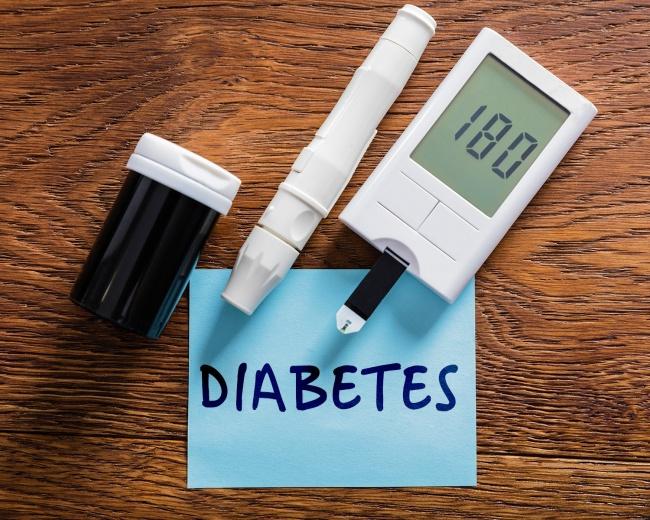 Bệnh tiểu đường có ảnh hưởng tiêu cực đến quá trình tuần hoàn máu, vì vậy rất dễ gây nên các vết bầm tím.