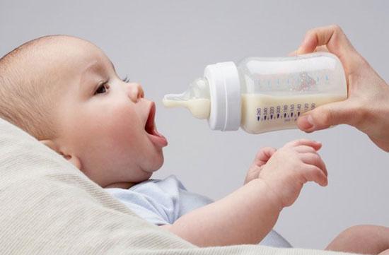 Những lý do có thể khiến mẹ ngưng cho con bú và cách cai sữa hợp lý cho trẻ - Ảnh 1