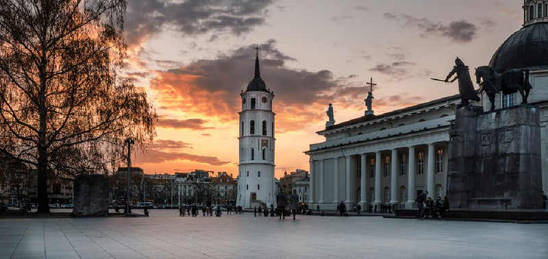 Ngắm những tòa nhà, khu phố cổ thơ mộng ở Đông Âu - Ảnh 7