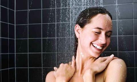 Tắm trước khi đi làm