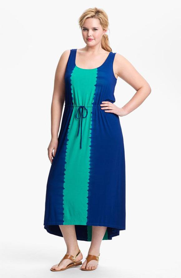 Tốt nhất là bạn nên chọn các thiết kế váy maxi cổ chữ V giúp tôn lên vòng 1