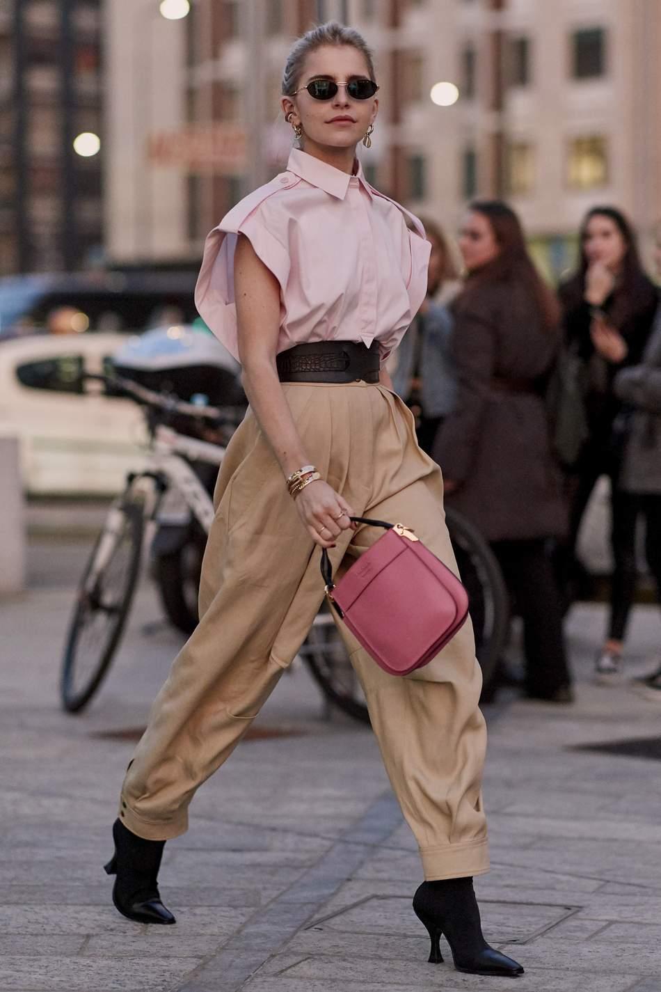 Xu hướng quần cargo cá tính, phá  cách được các fashionista và người mẫu thế giới lăng nhiệt tình lăng-xê