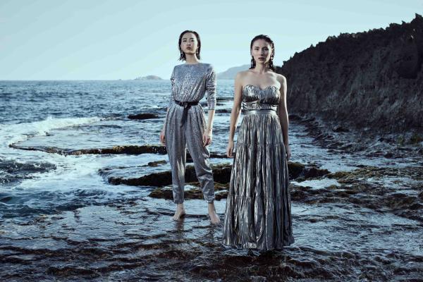 Chất liệu vải nước độc đáo hứa hẹn sẽ  là xu hướng cho mùa mốt  của thời trang Việt Nam năm nay