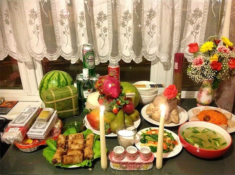 Cúng tất niên là phong tục tập quán lâu đời và mang nét đẹp văn hóa của người Việt Nam
