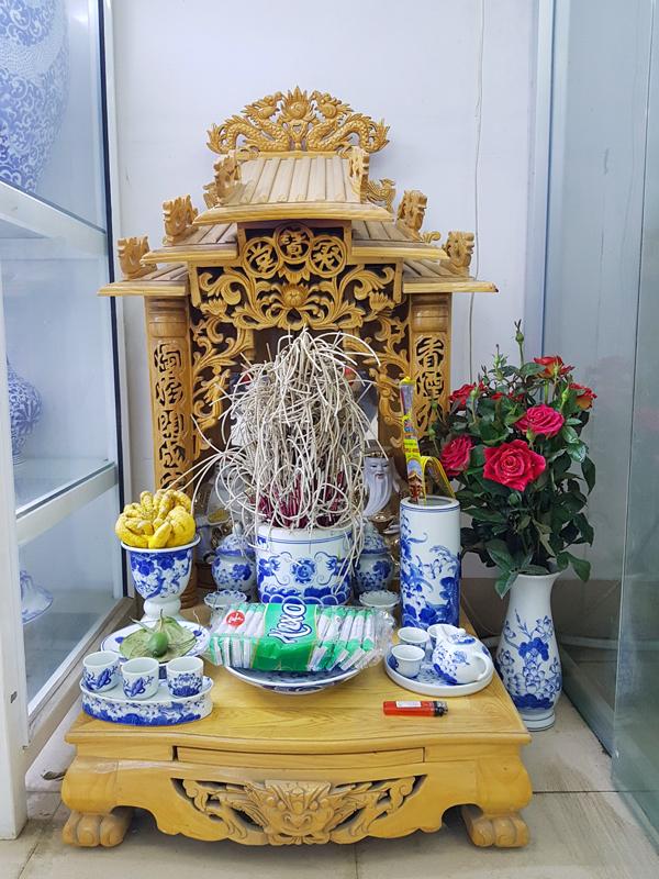 Bát hương được làm bằng gốm sứ là lựa chọn phù hợp cho việc thờ cúng tại nhà