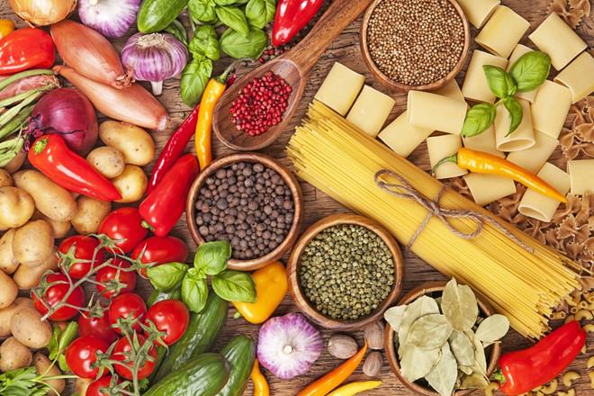 Bổ sung các thực phẩm giàu chất xơ giúp hỗ trợ việc đào thải mỡ thừa và khắc phục tình trạng da bụng bị chảy xệ hiệu quả