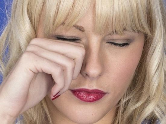 Nguyên nhân hàng đầu gây ngứa mắt đó là  do dị ứng động vật, môi trường hay mỹ phẩm