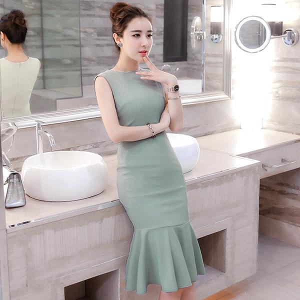 Màu xanh lá nhạt cũng là xu hướng màu sắc cũng như trang phục mới cho mùa mốt 2019