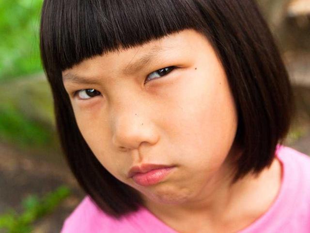 Nếu bạn quá ít cười, tỏ ra không thân thiện thì sẽ không trách được việc người khác không ưa bạn
