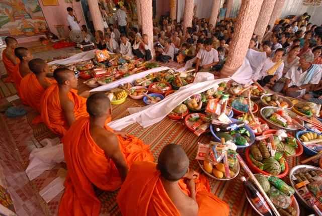 Lễ dâng cơm Tết Chol-chnam-thmay